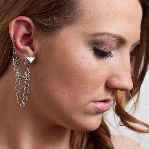 Cinkensta | Silver Stud and Chain Ear Cuff Earring |